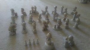 25 precious moments collectible figurines for Sale in Dublin, CA