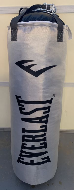 Everlast 80 lb Grey PolyCanvas Punching Bag for Sale in Santa Clarita, CA