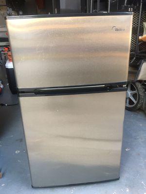Midea Compact Refrigerator 3.1 Cu. for Sale in Duluth, GA