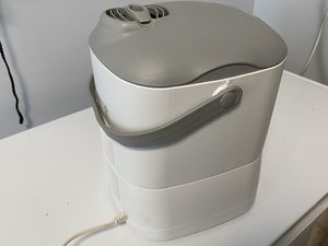 Humidifier for sale for Sale in Monroe Township, NJ
