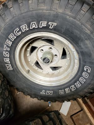 Jeep rims and tires 33/1250/15 for Sale in Cogan Station, PA