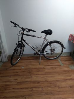 "NICE! Schwinn Frontier Mens 26"" Alluminum Frame Mountain Bike! for Sale in Gresham,  OR"