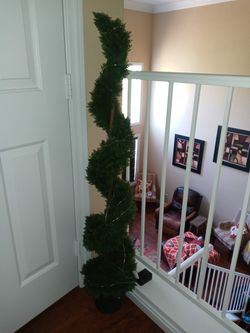 4ft tall Artificial Spiral Topiary for Sale in Las Vegas,  NV