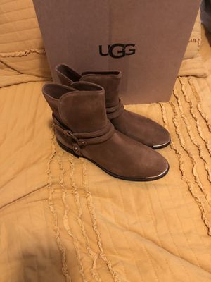 New women's uggs boots size 8 for Sale in The Bronx, NY