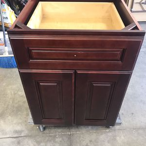 Kitchen Cabinet for Sale in Laguna Hills, CA
