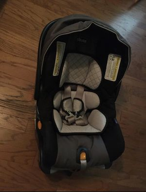 Baby chicco car seat and base for Sale in Dallas, TX