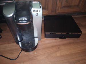 Keurig coffee maker with coffee keeper for Sale in Galloway, OH