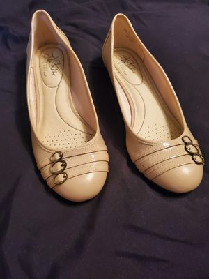 Life Stride cream colored shoes for Sale in Pittsburgh, PA