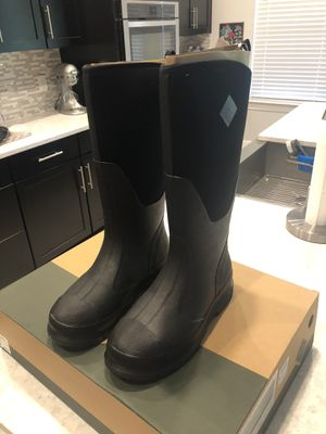 Muck boots. Brand new in box. Women's size 9 for Sale in Clermont, FL