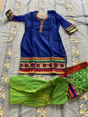 Indian traditional clothing (Dress) for Sale in Lutz, FL