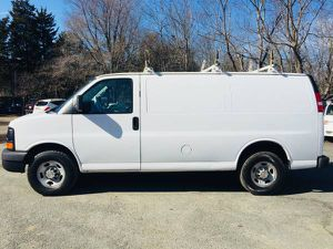 2014 Chevy Express G2500 Cargo work van 3 bar ladder rack & work shelves *no windows* for Sale in Alexandria, VA