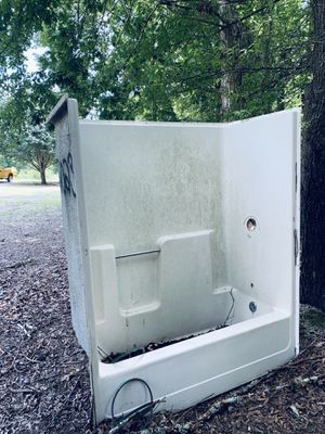 Bath tub with surround - FREE for Sale in Trinity, NC