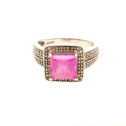 10KT Pink Sapphire / Diamonds Ring for Sale in Brandywine,  MD