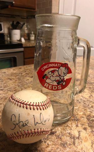 CINCINNATI REDS HAL MORRIS AUTOGRAPHED BASEBALL & REDS DRINKING GLASS for Sale in Burlington, KY