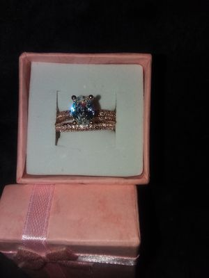 Rose gold colored wedding set for Sale in Salinas, CA
