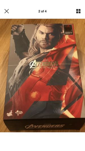 NEW IN BOX-NEVER DISPLAYED Hot Toys THOR AVENGERS MMS306 AGE OF ULTRON 1:6 Scale Collection Action Figure for Sale in Algonquin, IL