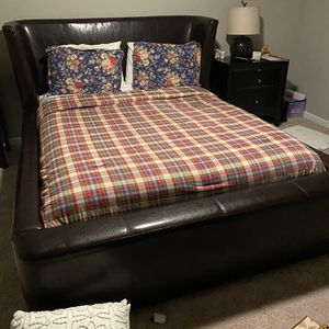 Complete Queen Bedroom For Sale for Sale in Durham, NC