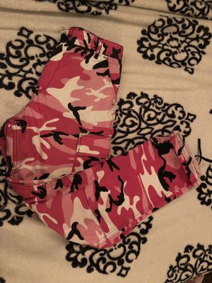 rothco camo pants pink size small for Sale in Lakewood, CA