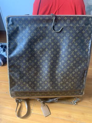 Louis Vuitton travel bag for Sale in Moreno Valley, CA