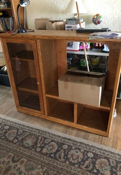 Tv stand/ shelf for Sale in Lindsay,  CA