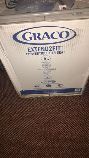 Graco Extend2Fit Convertible Car seat for Sale in Bowling Green, OH