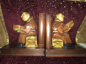 BOOKENDS MONK SITTING ON CHEST READING SCRIPTURES for Sale in Garden Grove, CA