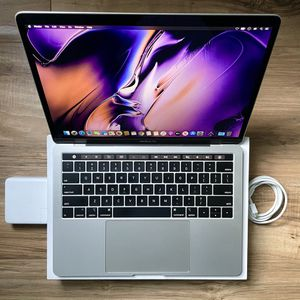 """2019 MacBook Pro w/Touch Bar Quad Core i5 Retina same 13"""" Speed as 2020 1.4Ghz for Sale in Los Angeles, CA"""