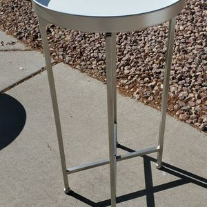 Metal End Table for Sale in Goodyear, AZ