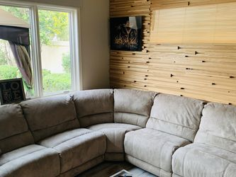 Large Sectional with 2 Recliners for Sale in Sloan,  NV
