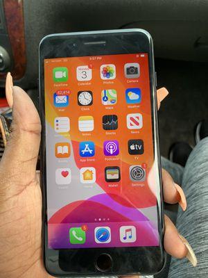 iPhone 7 Plus black unlocked fully for Sale in Richmond, VA