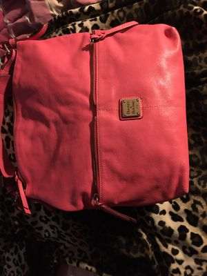 Dooney & Bourke bubble gum pink leather purse for Sale in San Antonio, TX