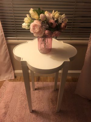 Side table for Sale in Modesto, CA