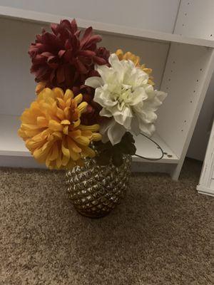 Pineapple Vase and Flowers for Sale in Sebring, FL