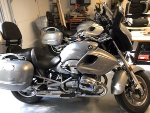 BMW MOTORCYCLE R1200 CL Custom 03' & 04' LOADED LOW MILES SHOWROOM CONDITION WILL TRADE FOR BASS BOAT OR CHRIS CRAFT Cash if needed for Sale in Dallas, TX