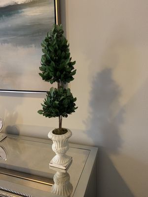 Excellent artificial tree for Sale in Tampa, FL