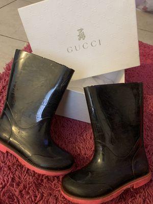 GUCCI GIRLS LOGO RAIN BOOTS for Sale in Pomona, CA