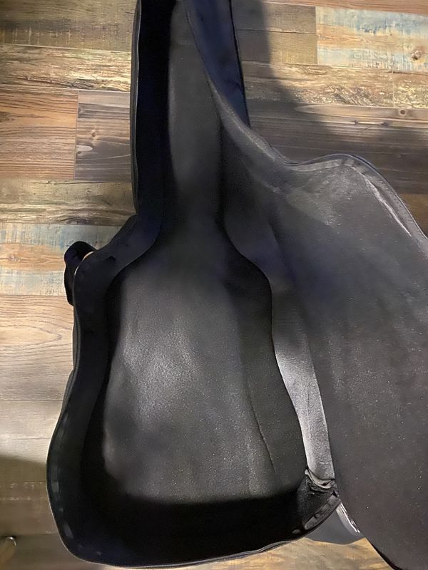 Pending: Guitar Gig Bag with backpack strap