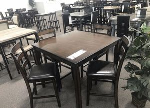 Counter height table dining table set ( table + 4 chairs) for Sale in La Puente, CA