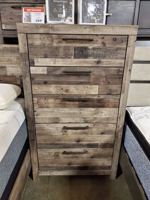 5-Drawer Chest, Multi Gray, Casual Style for Sale in Garden Grove, CA