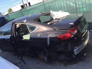 2016 Chrysler 200 for parts parting out oem part for Sale in Miami, FL
