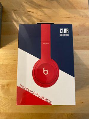 Beats solo3 wireless headphones for Sale in Long Beach, CA