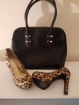 Purse with leopard pumps set for Sale in Glen Burnie, MD