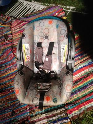 Babytrend car seat for Sale in Mount Olive, AL