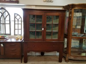 Antique Corner Cabinet for Sale in Hilliard, OH