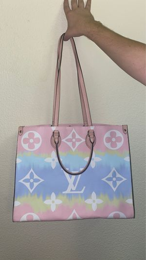 LOUIS VUITTON PASTEL BAG!! for Sale in Norco, CA