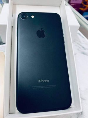 iPhone 7 (32 GB) Unlocked With Warranty for Sale in Cambridge, MA