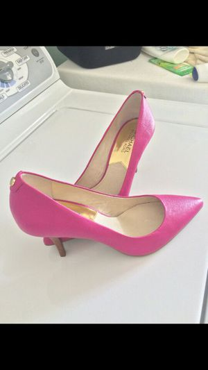 Nice shoe Michael Kors 7 1/2 size for Sale in West Palm Beach, FL