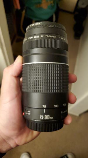 Canon 75-300mm lense for Sale in Fairfield, CA