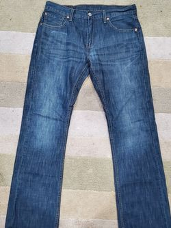 Levi's 527 Jean NO LOW BALLERS PLZ for Sale in Bolingbrook,  IL