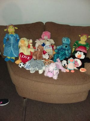 Teddy bears in all shapes and sizes all in good condition for Sale in Columbus, OH
